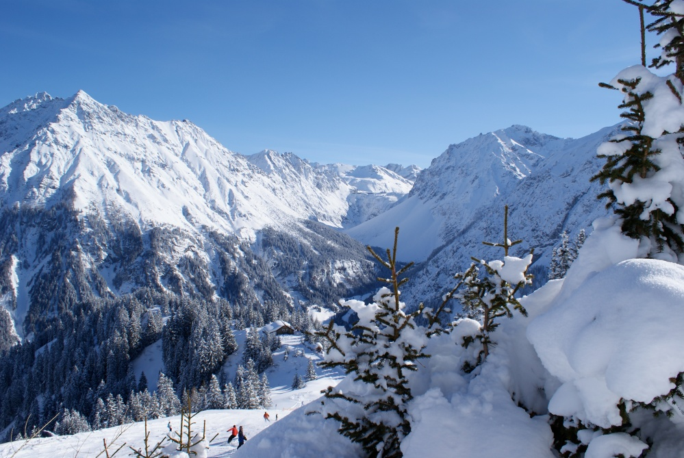 Great skiing resorts in Tyrol and Vorarlberg